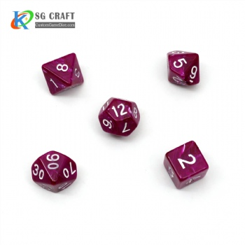 PURPLE MARBLE PLASTIC DICE SET