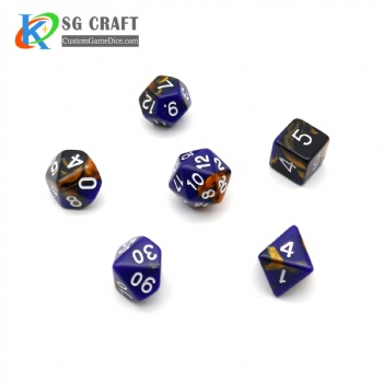 COLORFUL PLASTIC DICE SET
