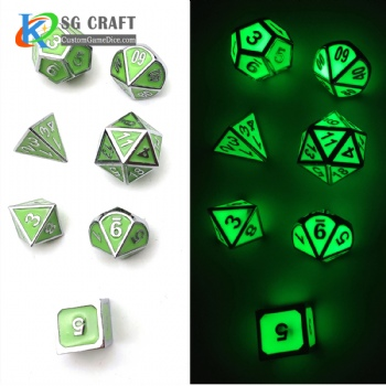 GLOW GREEN METAL DICE