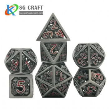 Hollow out skull style dnd game metal dice red numbers