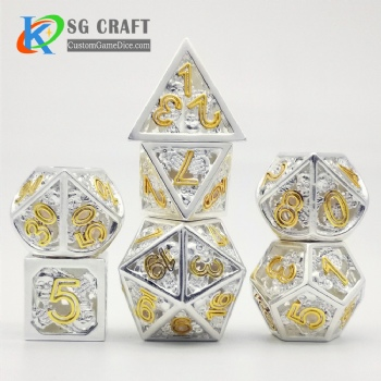 Hollow out skull style dice dnd game metal dice silver/gold colors